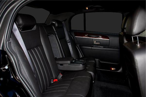 Columbus Lincoln Sedan Rental